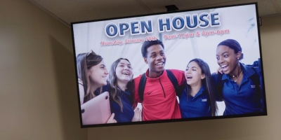 Digital signage for employees and staff